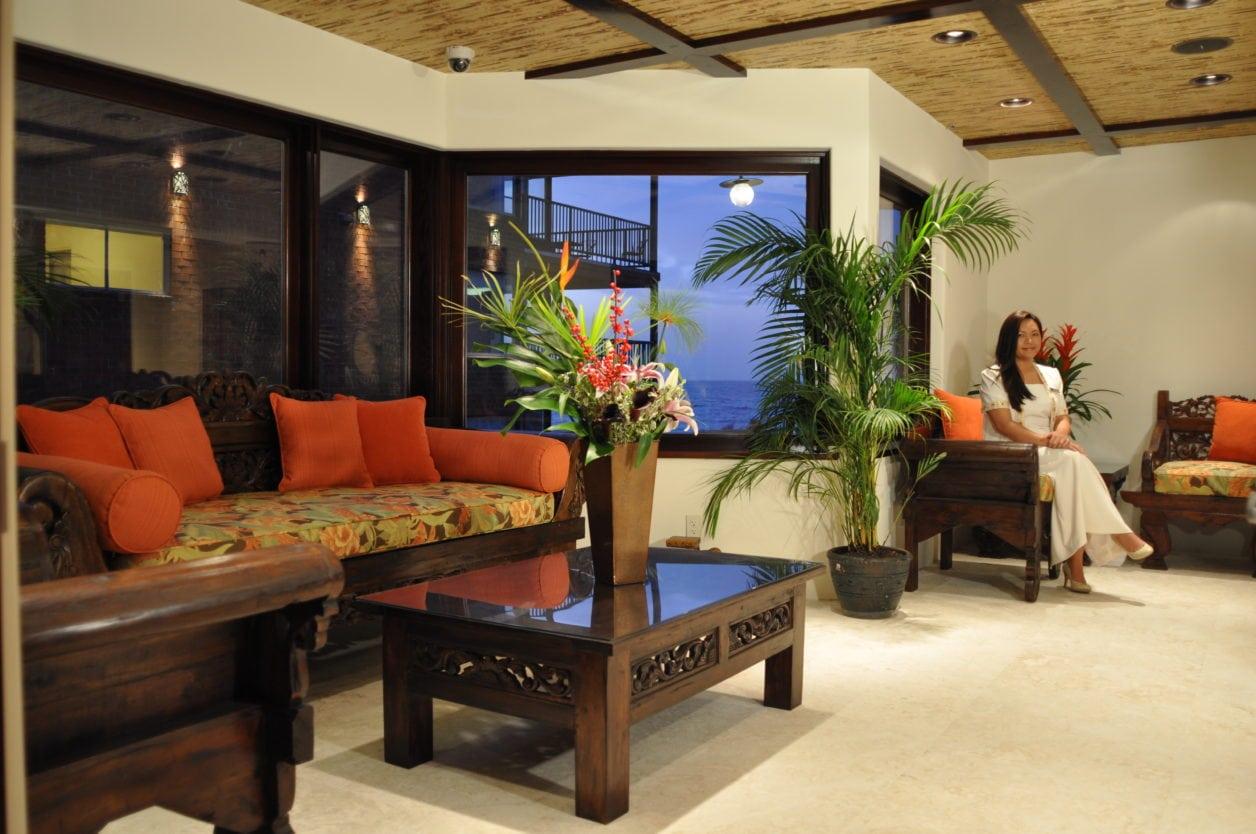 Bali Style A Romantic Waterfront Inn On Famed La Jolla