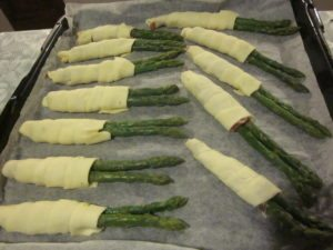 Asparagas Wrapped in Pastry Dough